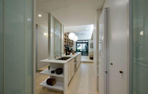 厨房白色走廊现代风格装潢效果图
