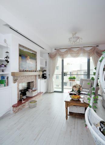 客厅窗帘后现代风格装修效果图
