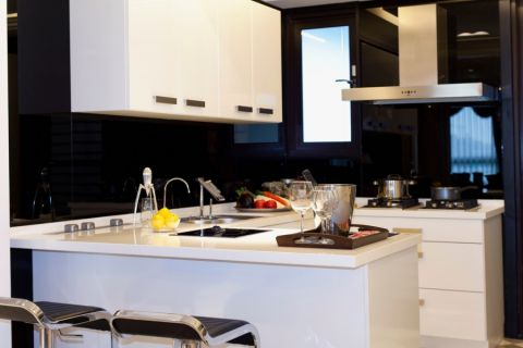 厨房吧台欧式风格装饰效果图