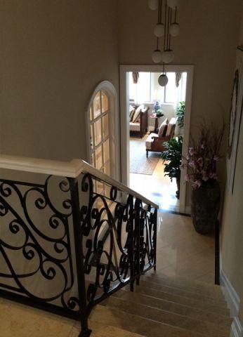 客厅楼梯美式风格装饰设计图片