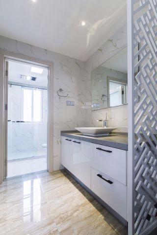 卫生间白色洗漱台现代风格装修设计图片