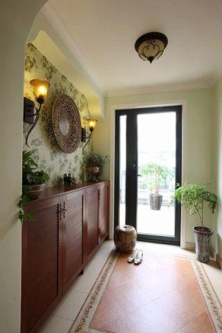 美观大方白色玄关装潢实景图片