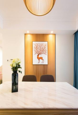 餐厅白色背景墙混搭风格装修图片