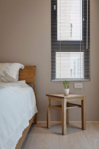 卧室窗帘日式风格装修图片