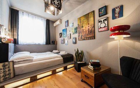 卧室照片墙后现代风格装修图片