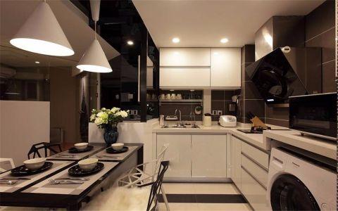 厨房白色橱柜现代简约风格装修效果图