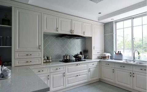 厨房白色橱柜欧式风格装饰图片