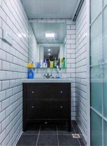 卫生间白色背景墙北欧风格装修效果图