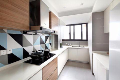 厨房白色橱柜现代简约风格装饰图片