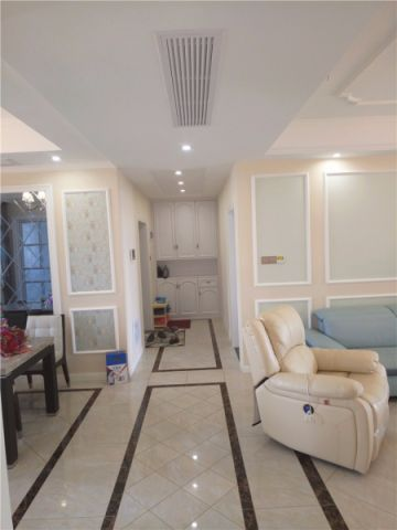 客厅走廊现代风格装修效果图