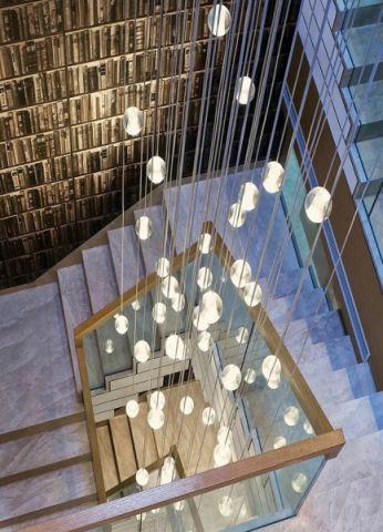温暖新中式灰色楼梯装潢实景图片