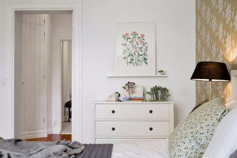 卧室照片墙简约风格装饰设计图片