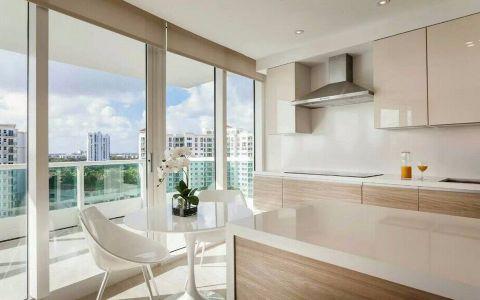 厨房白色餐桌简约风格装潢效果图