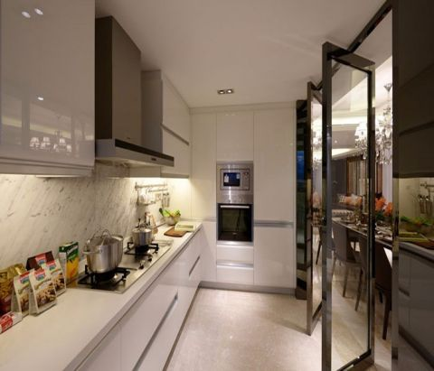 厨房白色橱柜简约风格装饰效果图