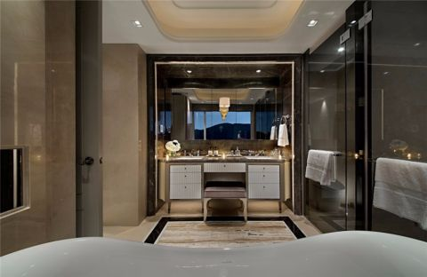 卫生间白色洗漱台混搭风格装修设计图片