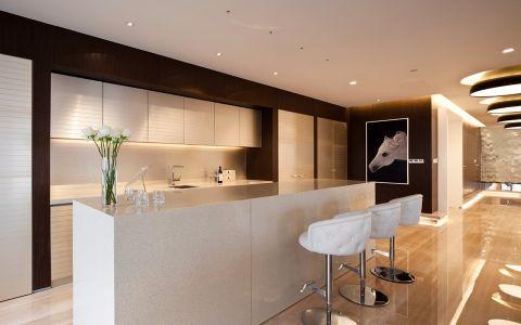 厨房吧台现代简约风格装潢效果图