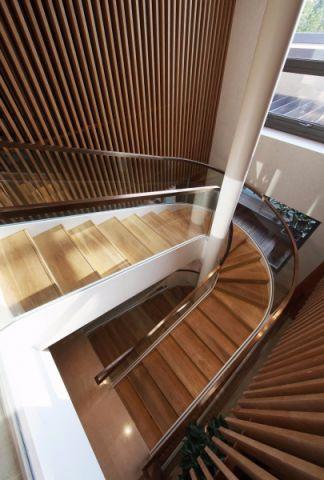 玄关楼梯中式风格装修设计图片