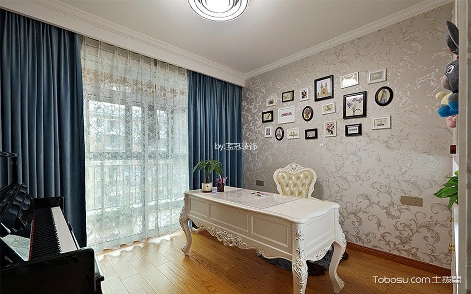 打造三室两厅127平简欧家装