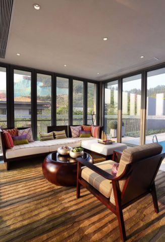 客厅白色吊顶混搭风格装修效果图