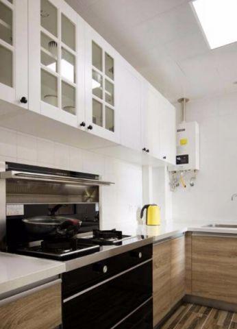 清新素丽厨房PVC扣板吊顶装潢图片