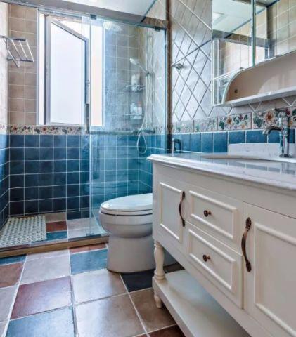 卫生间窗台美式风格装饰设计图片