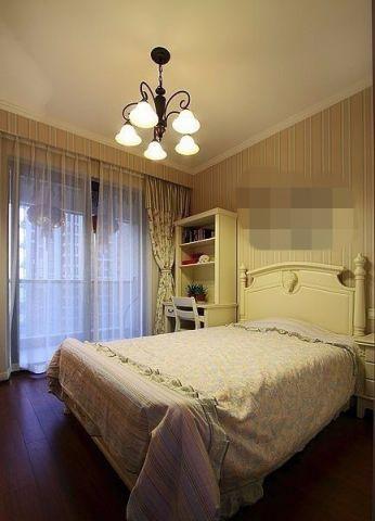 卧室窗帘田园风格装修效果图