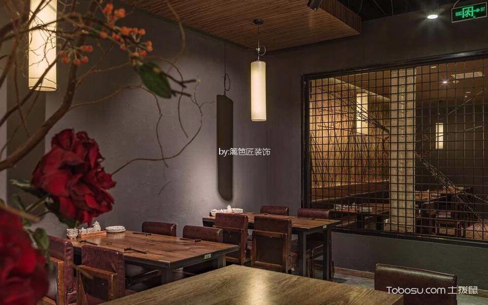 300平米日本料理店餐桌装潢效果图