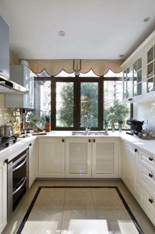 厨房橱柜简中风格装饰效果图