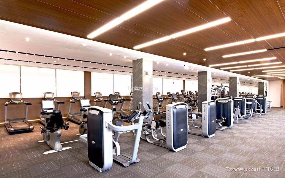 企业员工健身房走廊装饰实景图