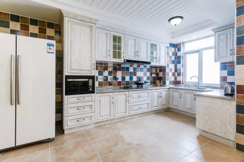 厨房背景墙地中海风格装潢设计图片