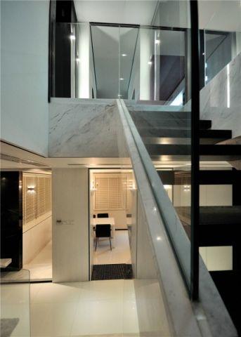 玄关楼梯现代简约风格装潢效果图