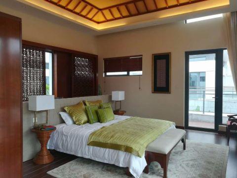 卧室背景墙东南亚风格装饰设计图片