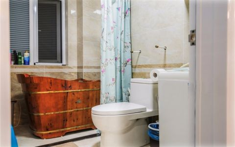 卫生间窗台现代风格装饰设计图片