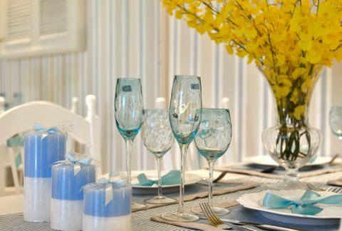 餐厅彩色背景墙地中海风格装潢设计图片