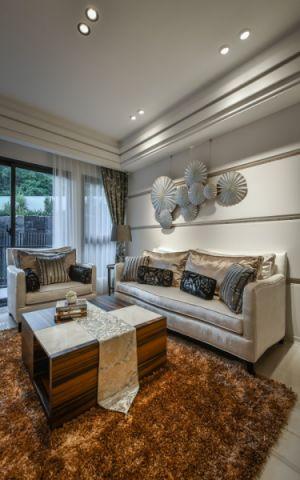 客厅白色吊顶新古典风格装饰设计图片