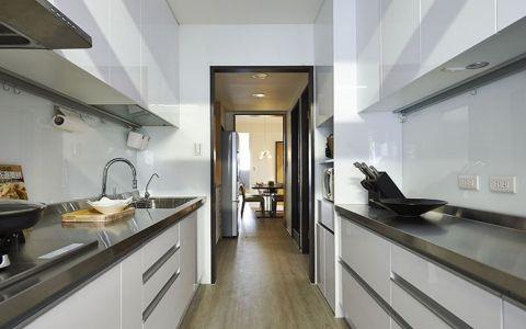 厨房白色橱柜现代风格装潢设计图片