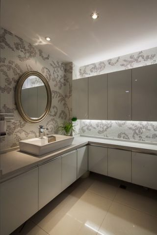 卫生间吊顶现代风格装修效果图