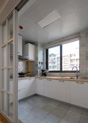 厨房白色推拉门美式风格装潢图片