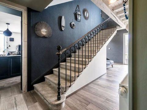 玄关楼梯混搭风格装饰图片