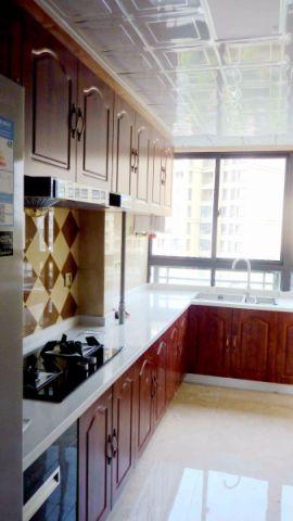 厨房白色PVC扣板吊顶案例图