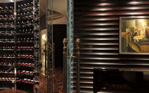 138万红酒展示厅装效果图