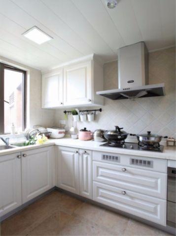 沉稳厨房美式装潢实景图片