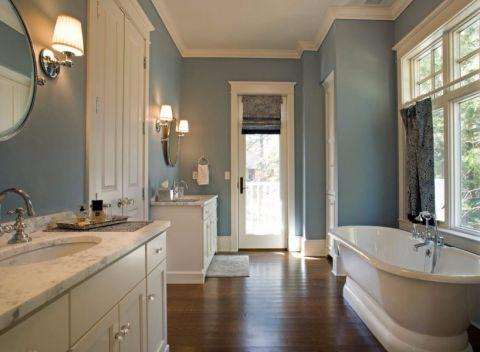 浴室白色浴缸现代简约风格装修图片
