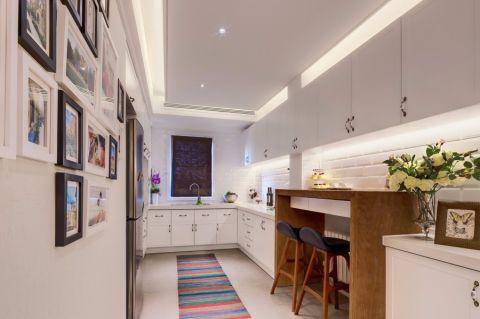 厨房白色橱柜简约风格效果图