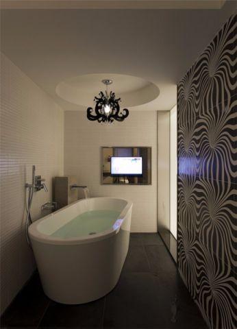 沉稳白色浴室装饰实景图