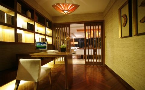 书房咖啡色隔断东南亚风格装修效果图