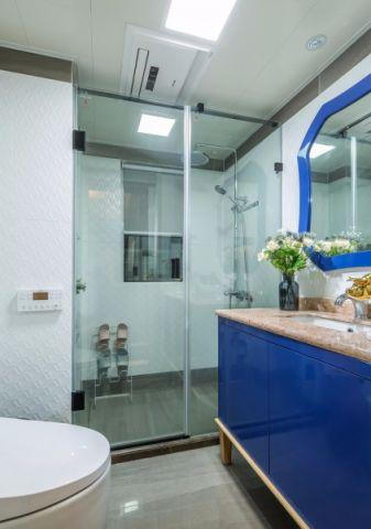 卫生间吊顶法式风格装潢图片