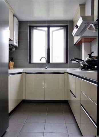 格调白色厨房室内装修设计