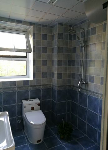 卫生间背景墙现代简约风格装饰设计图片