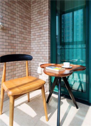 阳台推拉门现代简约风格装修设计图片